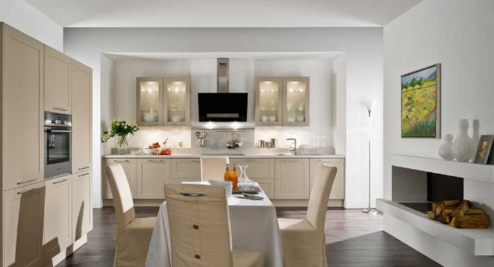 klassisch chuchihuus lausen k che. Black Bedroom Furniture Sets. Home Design Ideas