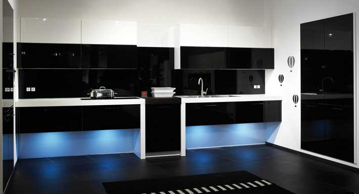glas chuchihuus lausen k che. Black Bedroom Furniture Sets. Home Design Ideas