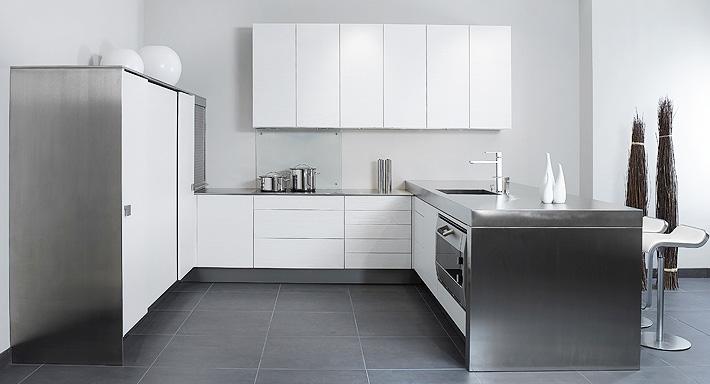 ergonomie chuchihuus lausen k che. Black Bedroom Furniture Sets. Home Design Ideas